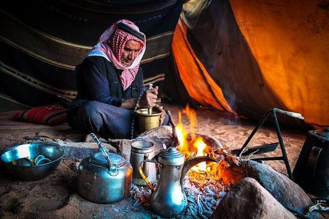 Coffee_bedouin_making
